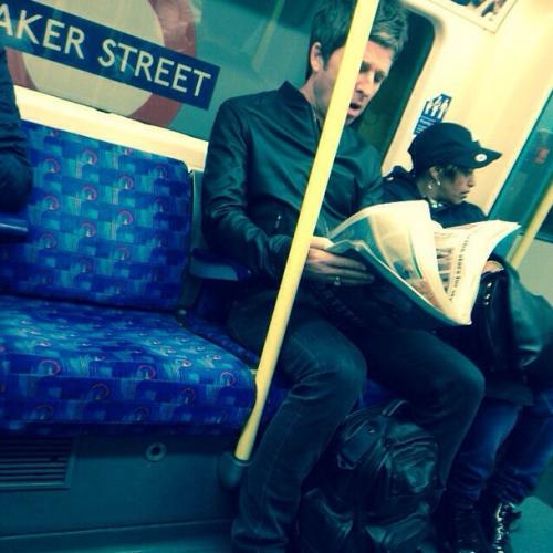 Noel Gallagher en el metro