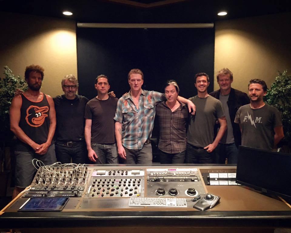 El nuevo disco de Queens Of The Stone Age ya está mezclado