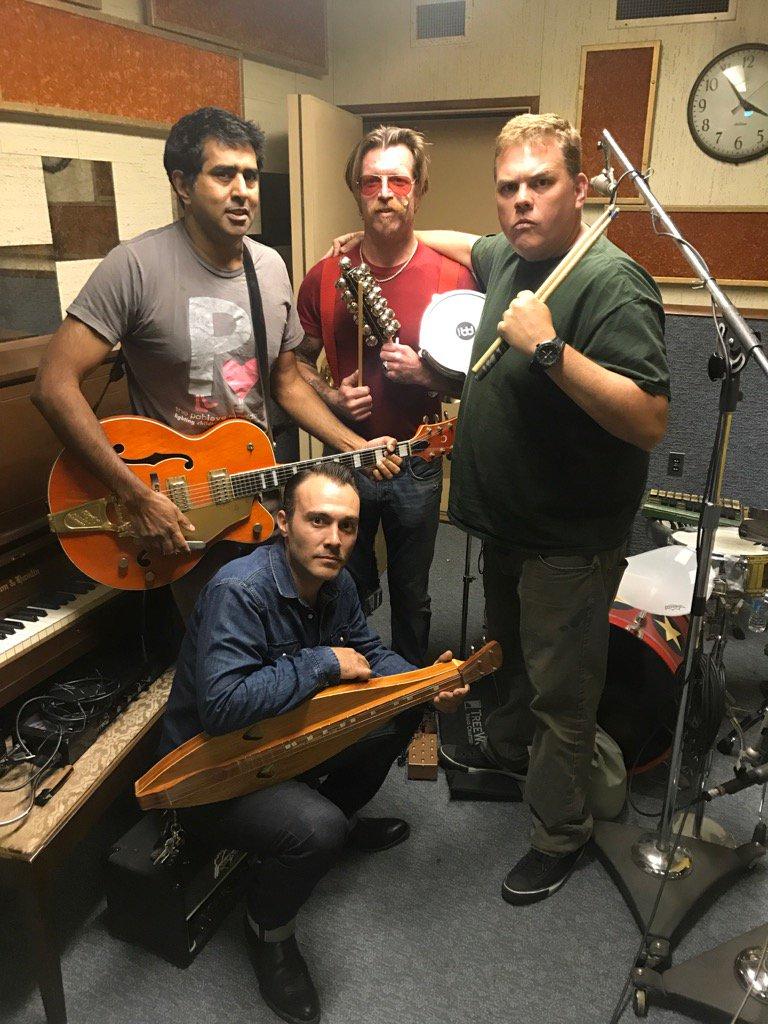 """Eagles Of Death Metal componen la banda sonora de """"Super Troopers 2"""""""
